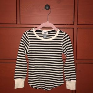 Oldnavy Girls Long Sleeve Thermal Shirt.